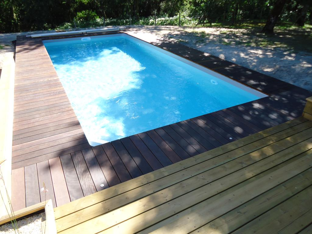 Pose terrasse pin tour de piscine en itauba bois exotique for Tour de piscine